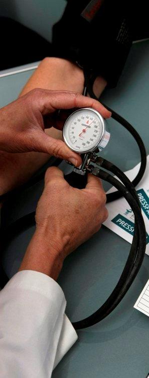 hipertensio-farmacia-presa