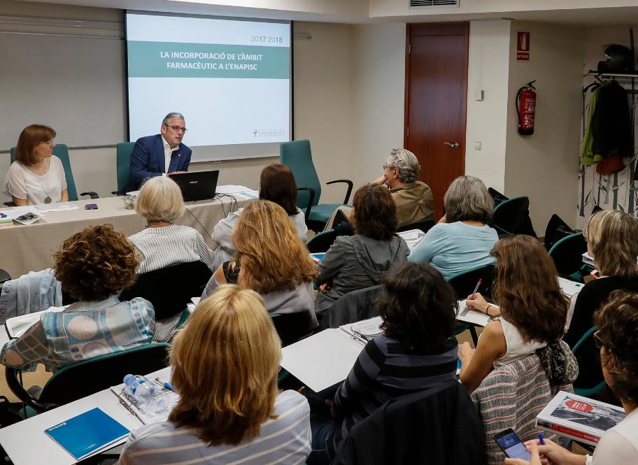 Moment d'una de les sessions de treball, amb Roser Vallès i Jordi De Dalmases.