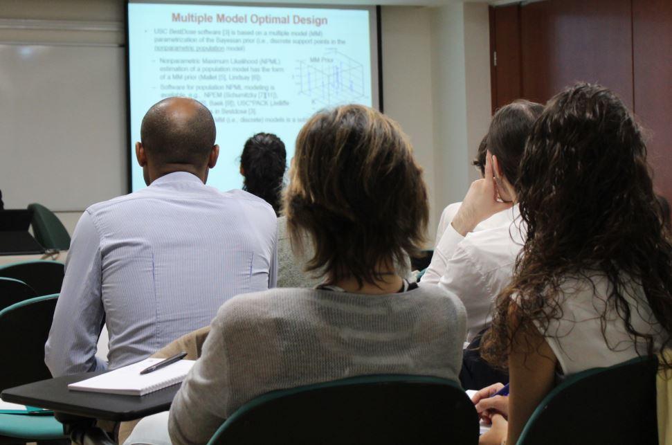 """Moment del workshop: """"Farmacocinètica: individulització de tractaments farmacològics"""""""