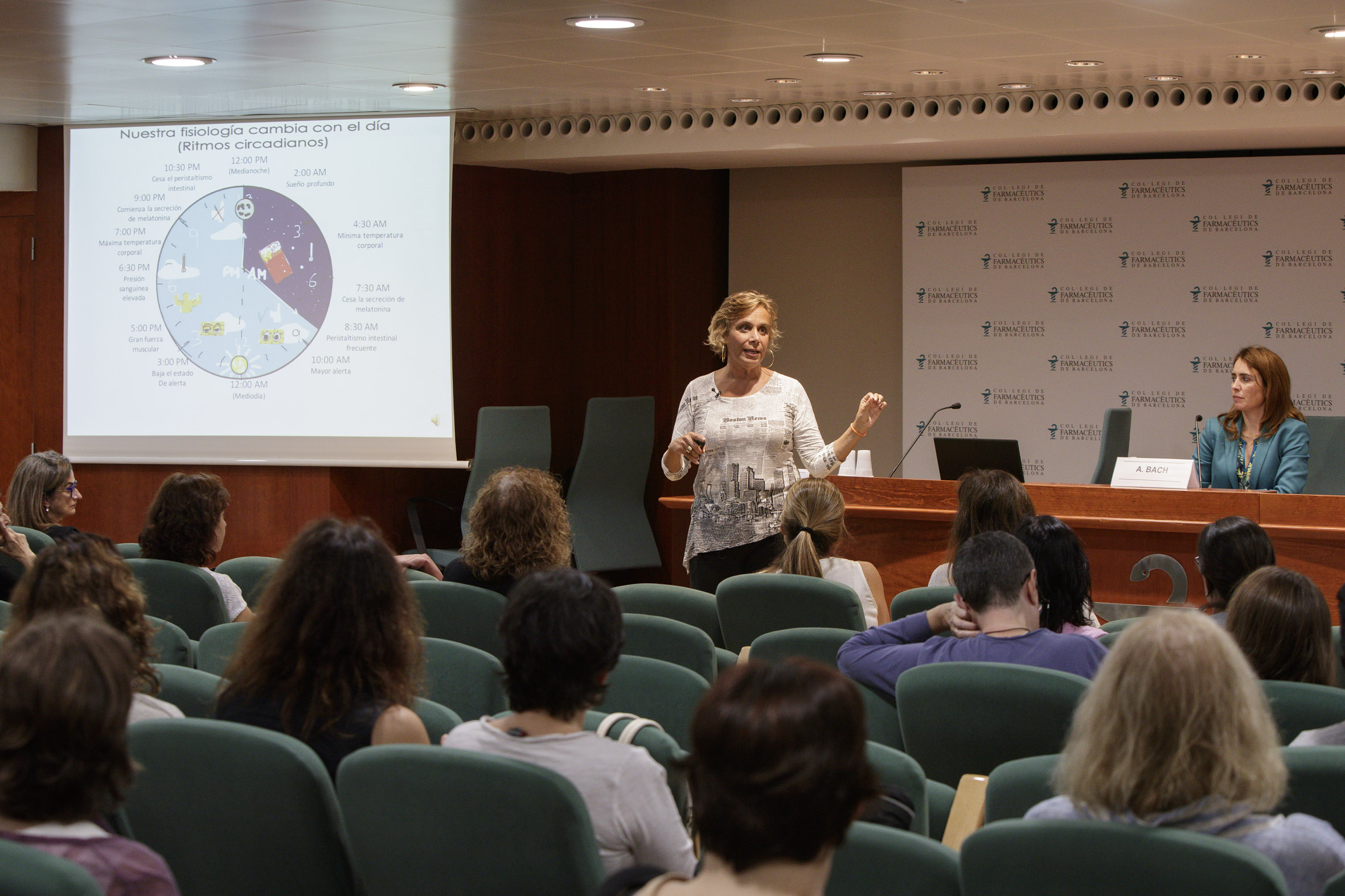 Marta Garaulet, durant la conferència Cronobiologia, hora dels àpats i obesitat.