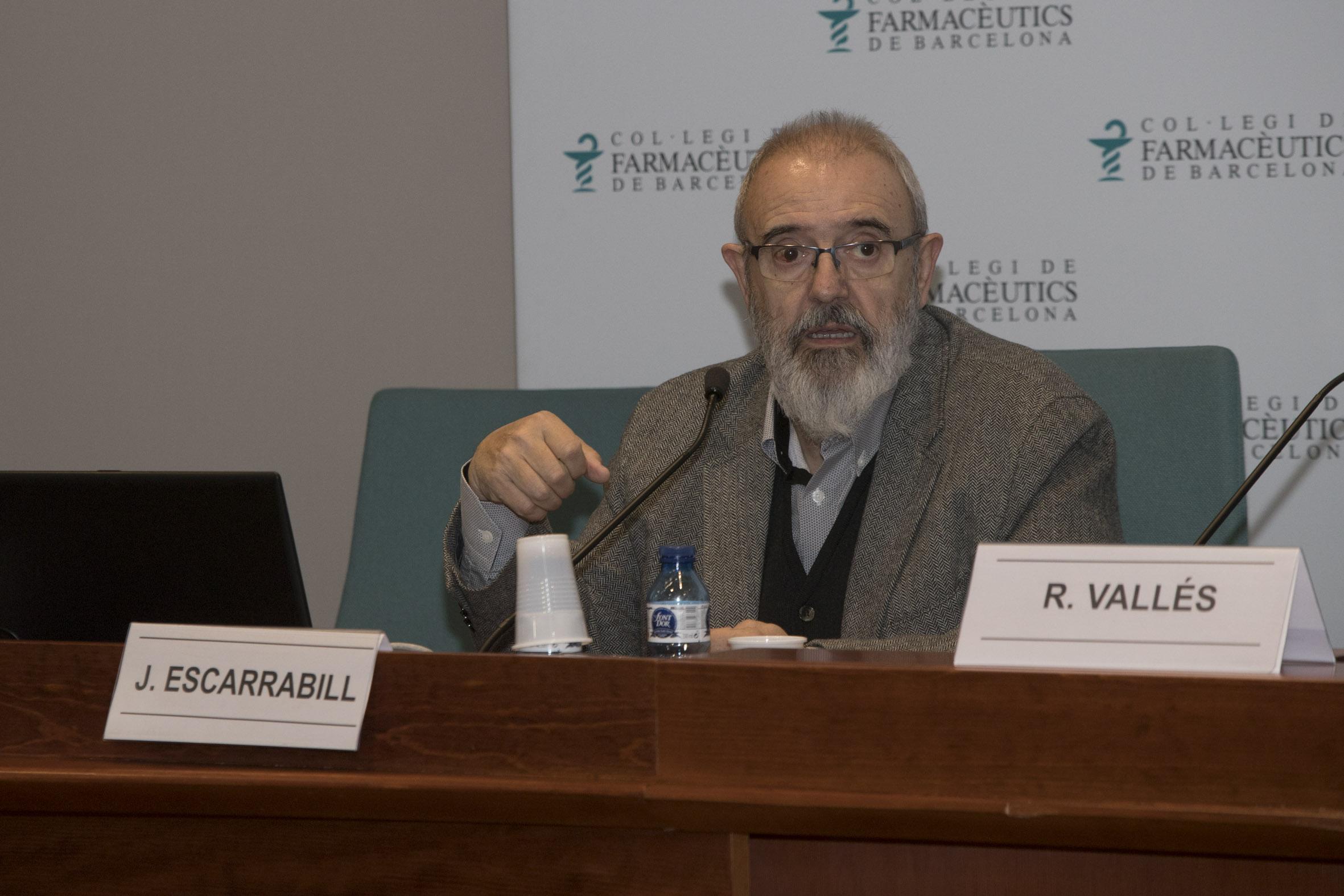 El Dr. Escarrabill, durant la seva conferència.