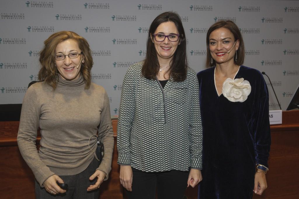 Maria Teresa Alcalde, Marta Alcalde i Asun Arias durant un moment de la conferència.