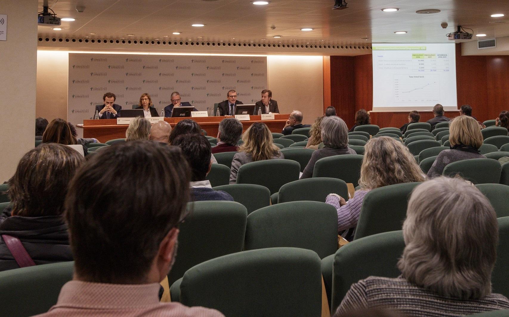 Un moment de la Junta General Ordinària celebrada a la Sala d'Actes del COFB