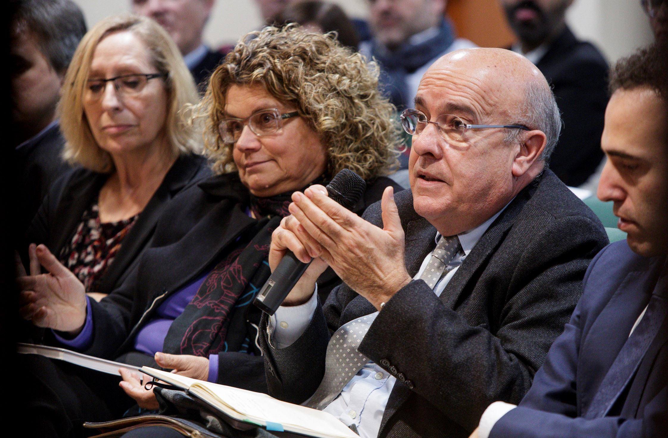 Els exconsellers de Salut de la Generalitat de Catalunya, Marina Geli i Boi Ruiz, van assistir a la presentació.