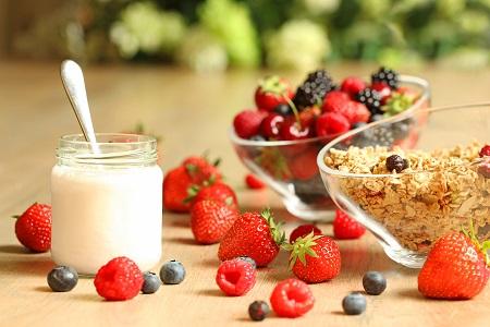 Una dieta sana i equilibrada pot ajudar a prevenir el càncer de colon.