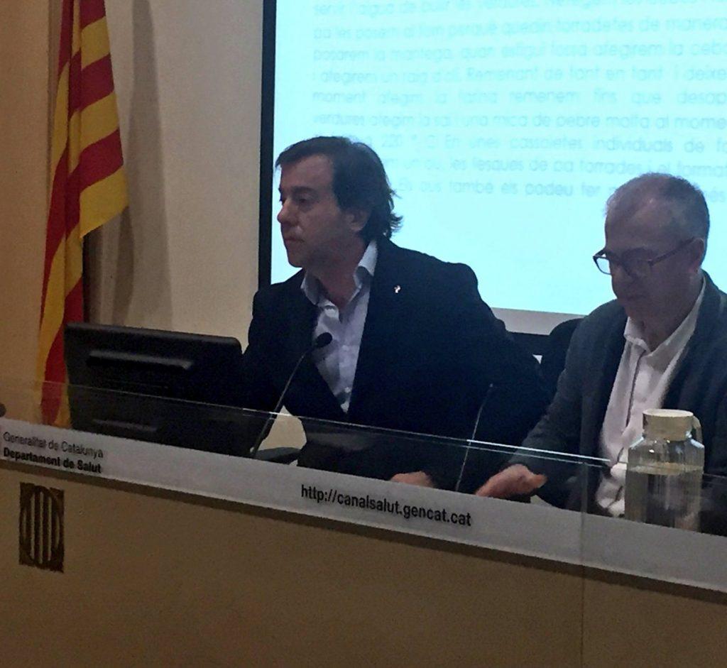 Guillermo Bagaria, vicetresorer i responsable d'Atenció Farmacèutica del COFB, durant un moment de la presentació. Imatge: Subdirecció General de Drogodependències. Agència de Salut Pública de Catalunya.