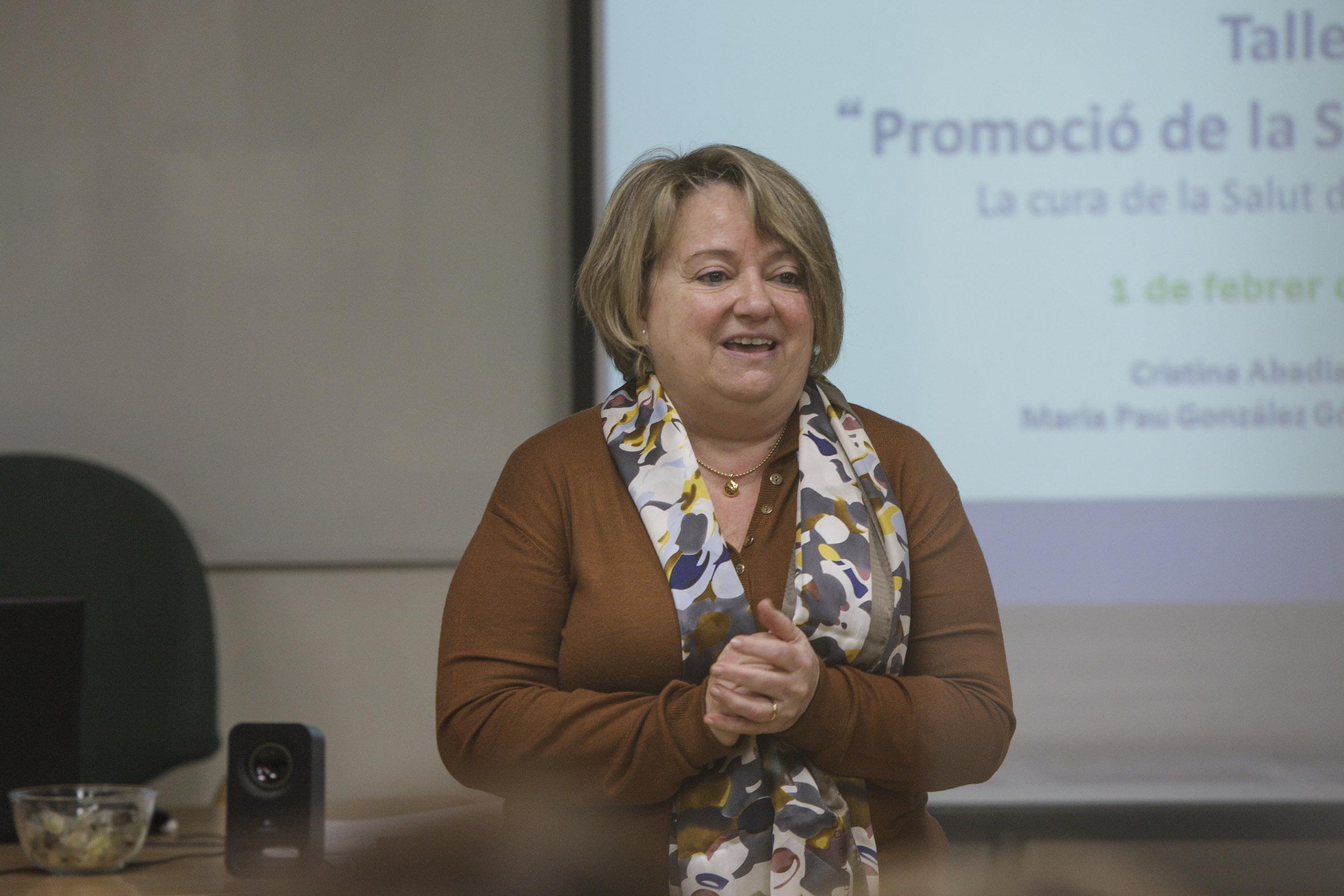 La docent del curs va ser Maria Pau González, doctora en psicologia, especialista en psicologia clínica i coordinadora de formació de la Fundació Galatea.