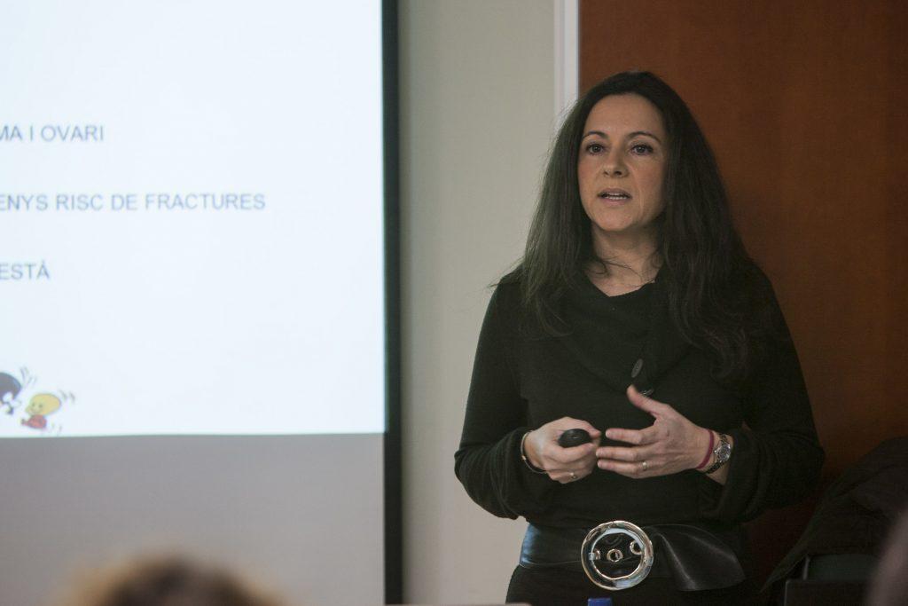 La docent Lydia Vallés durant una de les sessions de formació.