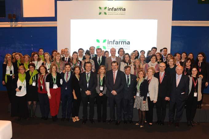 Fotografia de família a la clausura d'Infarma 2018. Font: DiarioFarma