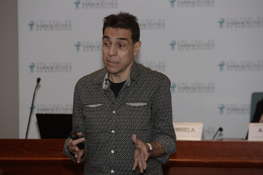 José Luis Bimbela, durant un moment de la conferència.