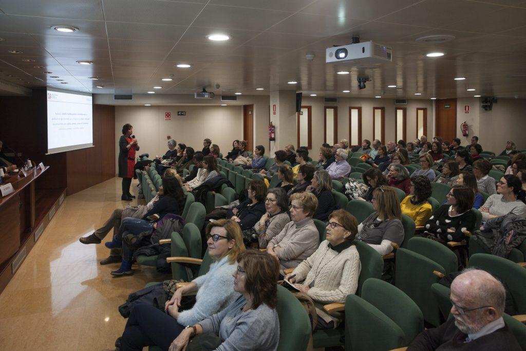 Montserrat Rivero, assessora científica d'Ordesa, presidenta de l'ACCA i membre de la RAFC, durant un moment de la sessió.