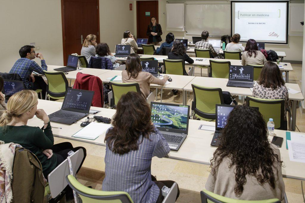 A la part pràctica de la formació, els alumnes van realitzar exercicis amb els programes Zotero i Mendeley, de gestió de referències bibliogràfiques.