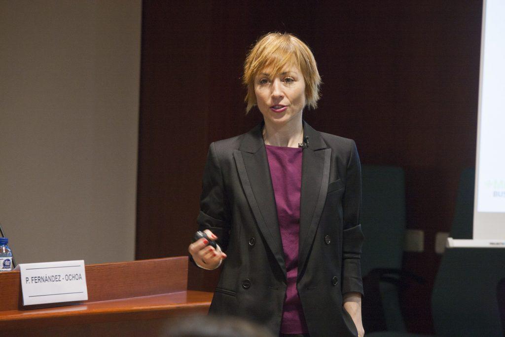 Paula Fernández-Ochoa, durant la conferència sobre marca personal que va oferir el passat 31 de gener al COFB.