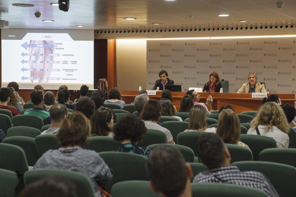 D'esquerra a dreta: Juan Antonio Navarro Gómez, farmacèutic, graduat en Ciències de l'Activitat i especialista en Nutrició; Anna Bach, vocal d'Alimentació i Nutrició i Eusebio Gutiérrez, director comercial i soci fundador d'Infisport.