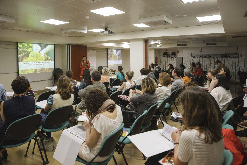 Els alumnes del curs van poder conèixer de prop les característiques dels productes de cosmètica eco, bio i natural.