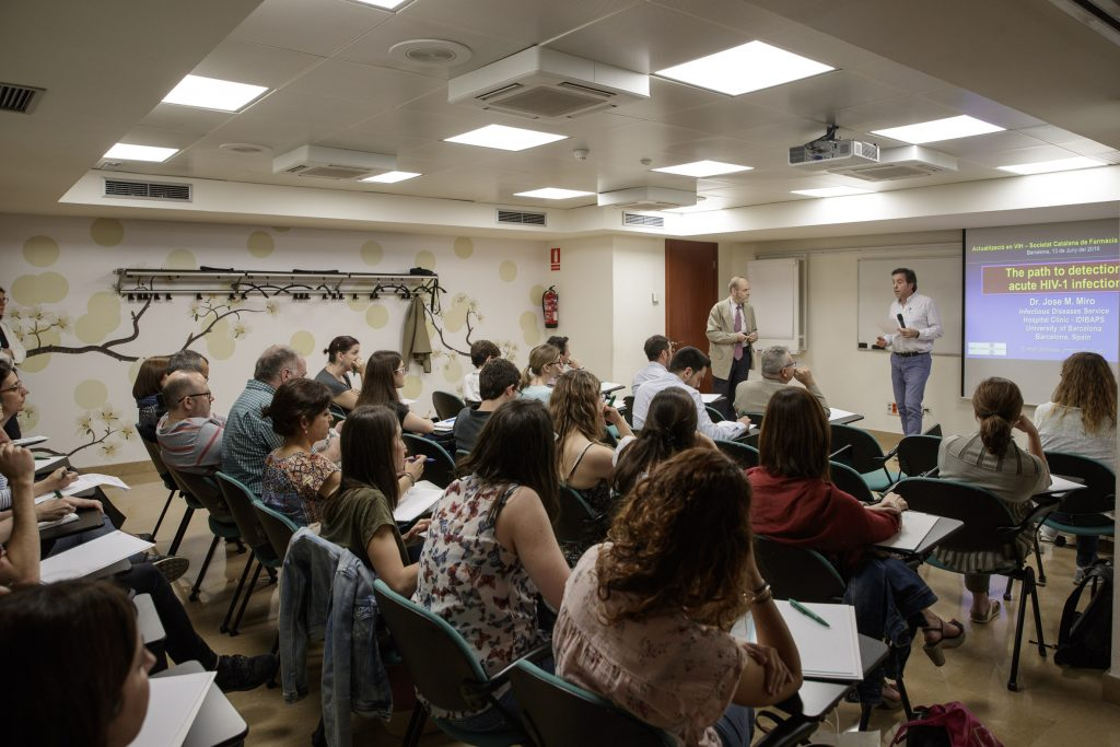 """Un moment de la formació """"Actualització en VIH"""", organitzada conjuntament amb la Societat Catalana de Farmàcia Clínica (SCFC)."""