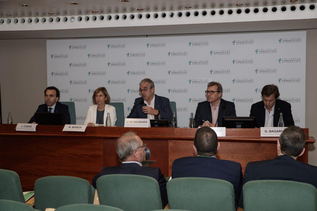 D'esquerra a dreta: El secretari, Jordi Casas; la vicepresidenta, Núria Bosch; el president, Jordi De Dalmases; el tresorer, Joan Calduch i el vicetresorer, Guillermo Bagaria.