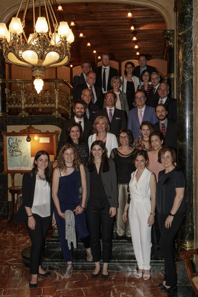 Foto de família de professors i alumnes del Màster.