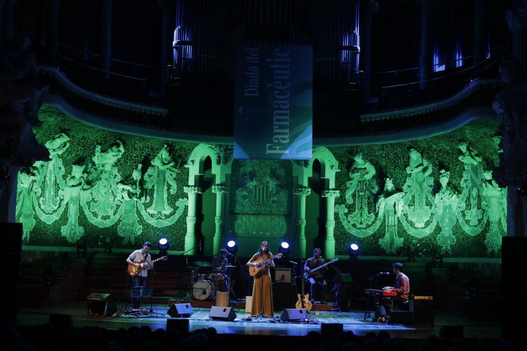 Un moment de l'actuació de Judit Neddermann en el marc del Palau de la Música Catalana.