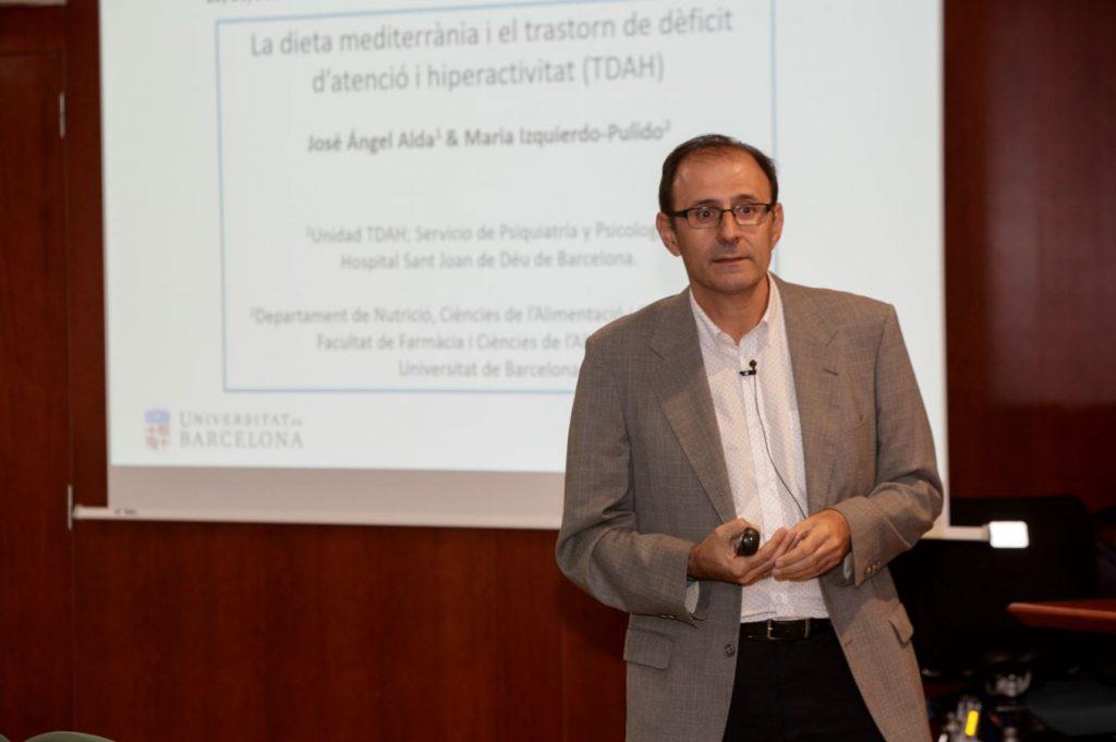 El doctor José Ángel Alda, en un moment de la seva intervenció.