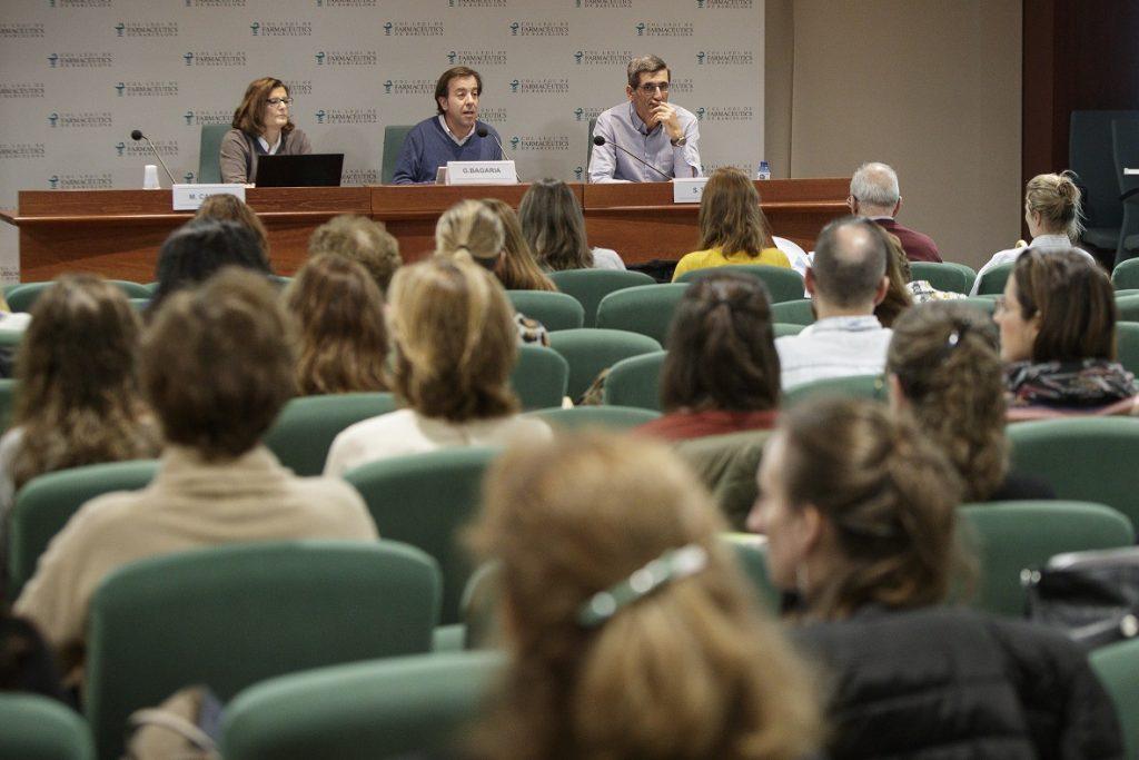La Dra. Magda Campins, Guillermo Bagaria i Salvador Tous en un moment de la sessió.