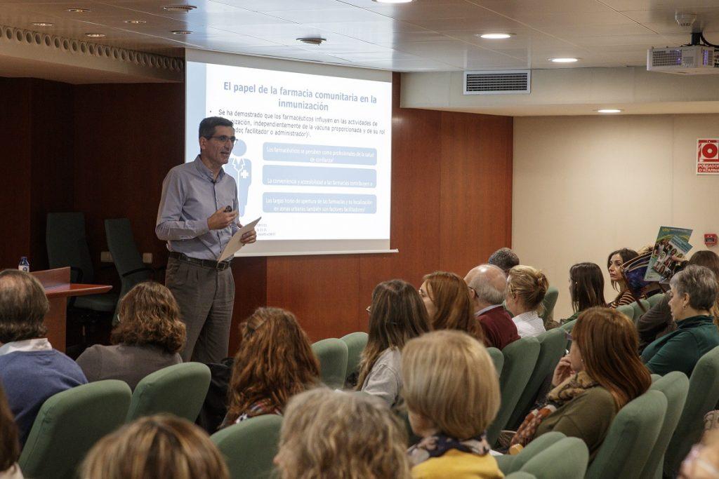 El farmacèutic comunitari Salvador Tous en un moment de la seva presentació.