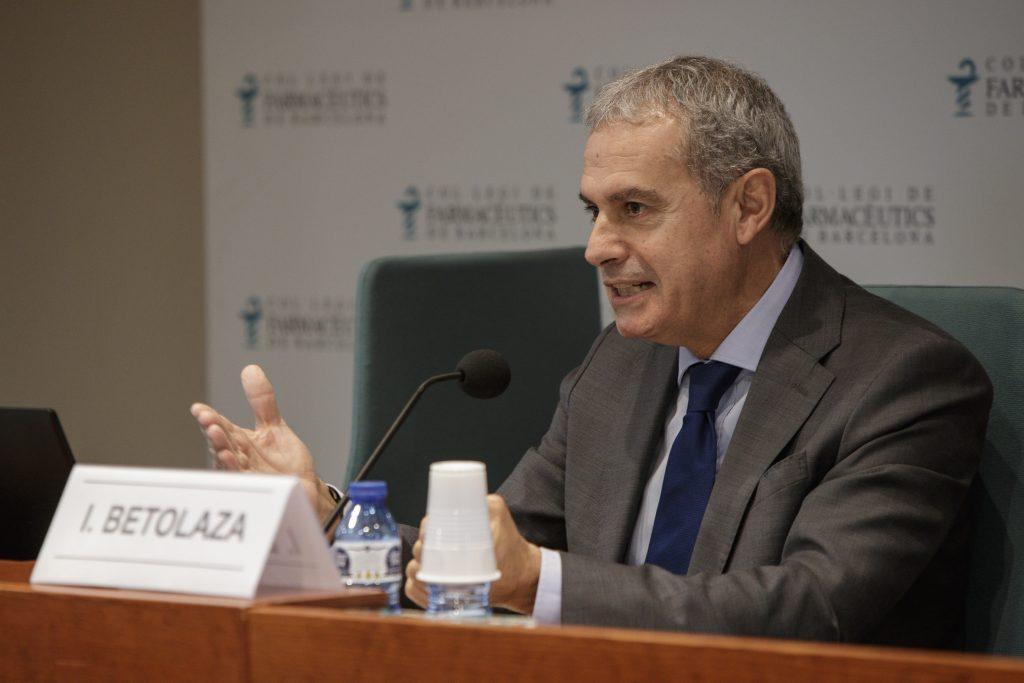 Iñaki Betolaza durant un moment de la conferència.