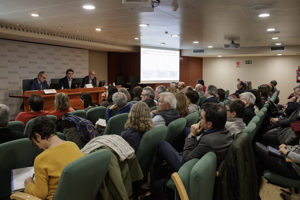 """La conferència """"Estat de la situació de la sanitat catalana"""" va anar a càrrec d'Adrià Comella."""