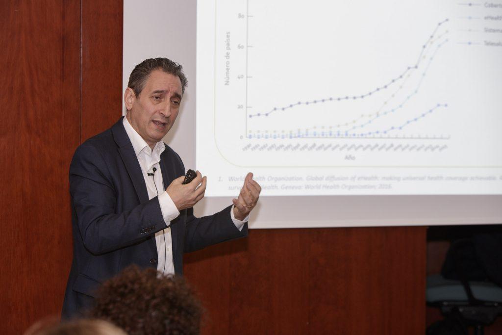 Miguel Angel Casado, en un moment de la sessió.