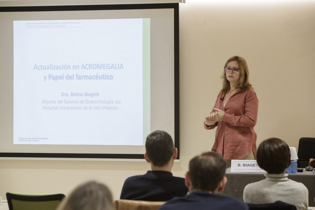 """La doctoraBetina Biagetti va ser la ponent de la conferència """"Descobrim l'acromegàlia""""."""