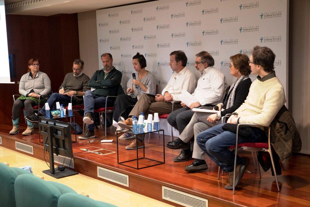 """Un moment de la conferència sobre reducció de riscos en la farmàcia comunitària, """"PIX, PMM i VIH: Experiències, casos pràctics i gestió de conflictes""""."""