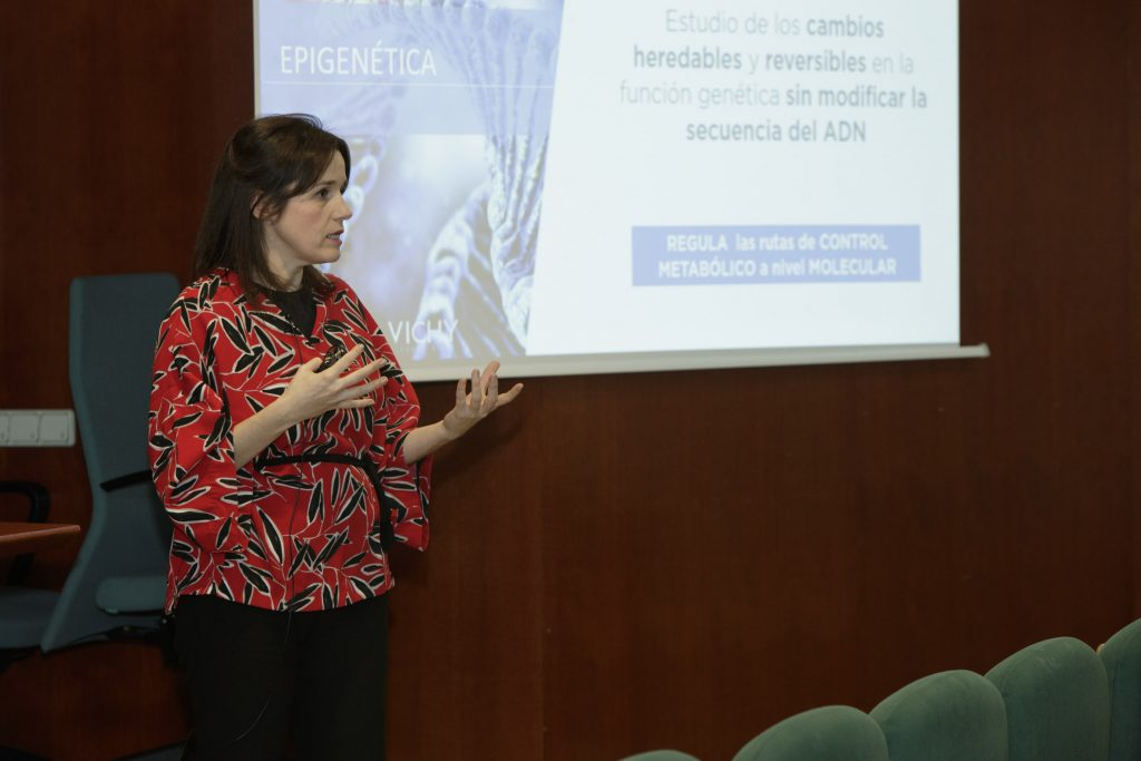 Mercedes Abarquero, farmacèutica responsable científica de Vichy.