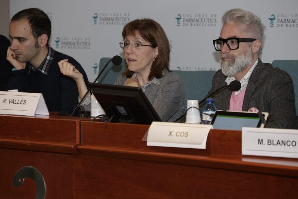 L'encarregada de moderar la sessió va ser Roser Vallès, vocal d'Atenció Primària del COFB.