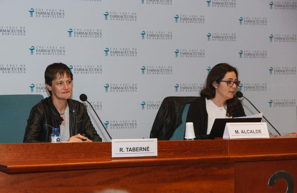 La Dra. Rosa Taberner, ponent de la sessió, i Marta Alcalde, vocal de Dermofarmàcia i Productes Sanitaris del COFB.