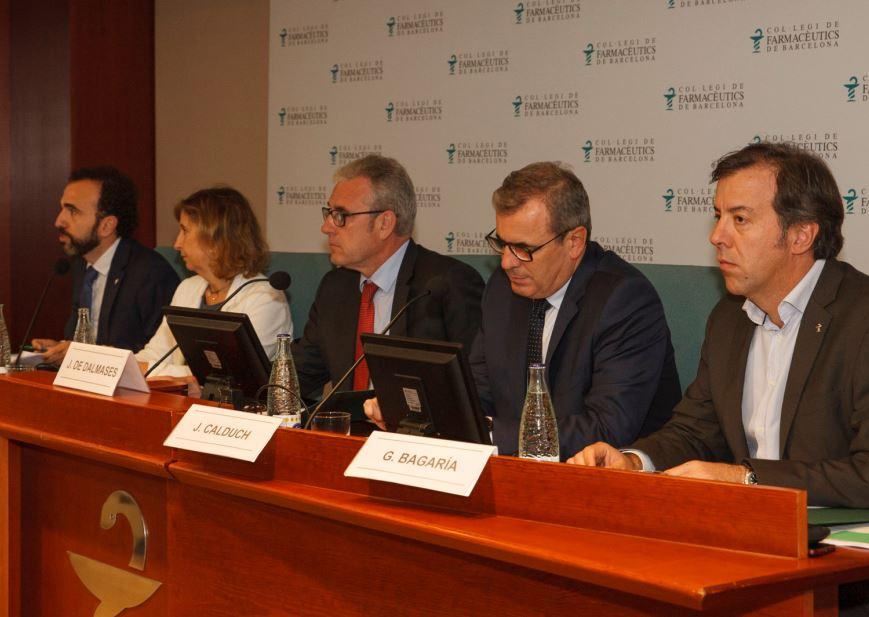 L'equip econòmic de la Junta de Govern del Col·legi, durant la presentació de l'informe de Presidència.