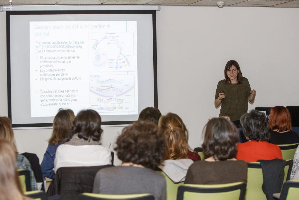 """Un moment de la segona edició del curs """"Atenció farmacèutica comunitària a pacients amb càncer"""""""