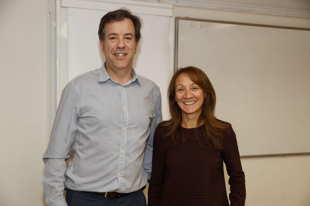 Guillermo Bagaría, responsable d'Atenció Farmacèutica del COFB, i la Dra. Rosa Colandrón.