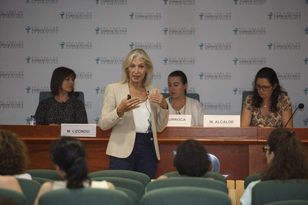 Eulàlia Mateu, farmacèutica i directora del programa Dermoexpert, durant la seva intervenció.