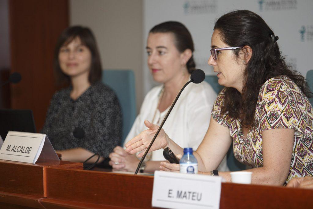 La vocal de Dermofarmàcia i productes sanitaris del COFB, Marta Alcalde, en un moment de l'acte.