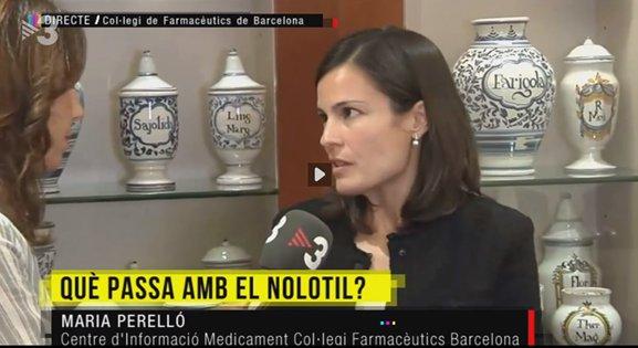 La responsable del CIM, Maria Perelló, atenent als mitjans.