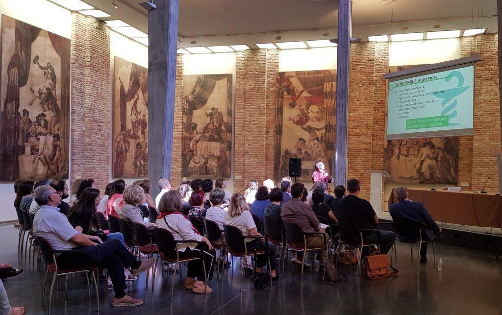 L'edifici El Sucre va acollir els farmacèutics i farmacèutiques de la zona, a la reunió d'actualitat celebrada a Vic.