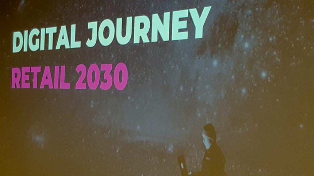 """Durant la formació """"Digital Journey"""" s'abordarà com implementar i integrar el canvi digital en l'entorn."""
