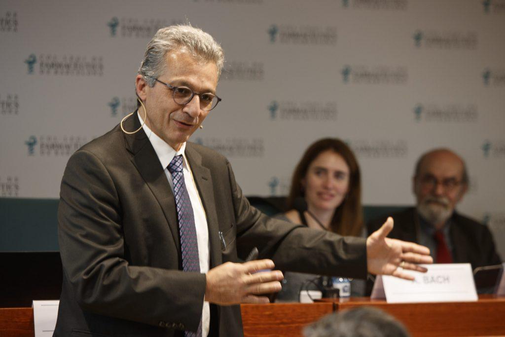 """Intervenció del doctor Álvaro Pascual-Leone a la conferència """"Influència de la dieta en la prevenció i tractament de les malalties neurològiques""""."""