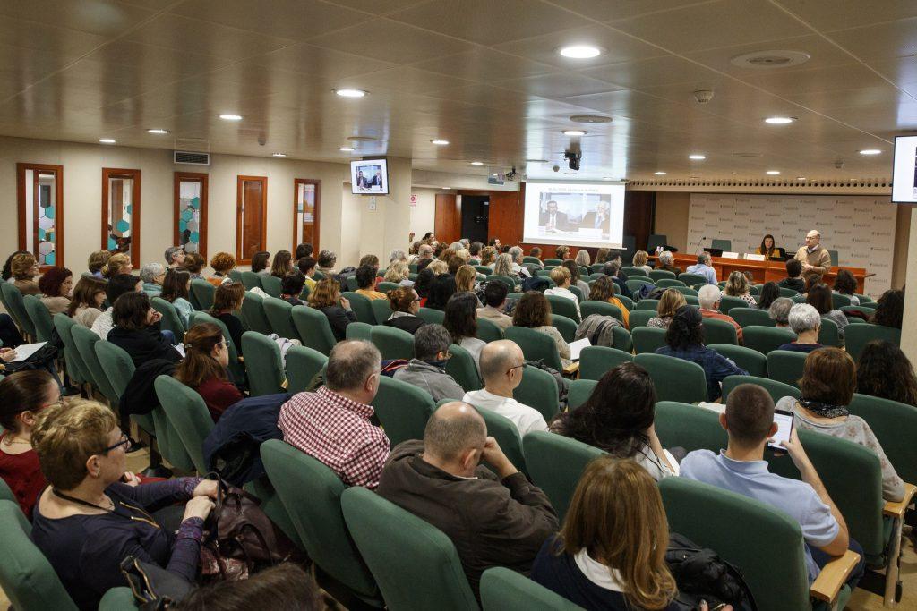 La conferència sobre el coronavirus va comptar amb una elevada assistència en tractar-se d'un tema de molta actualitat.