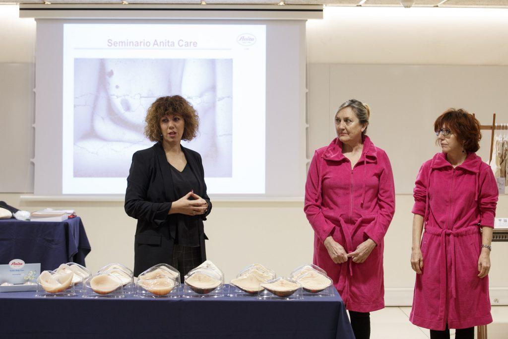 La part pràctica va comptar amb la col·laboració de dones mastectomitzades totalment o parcialment.