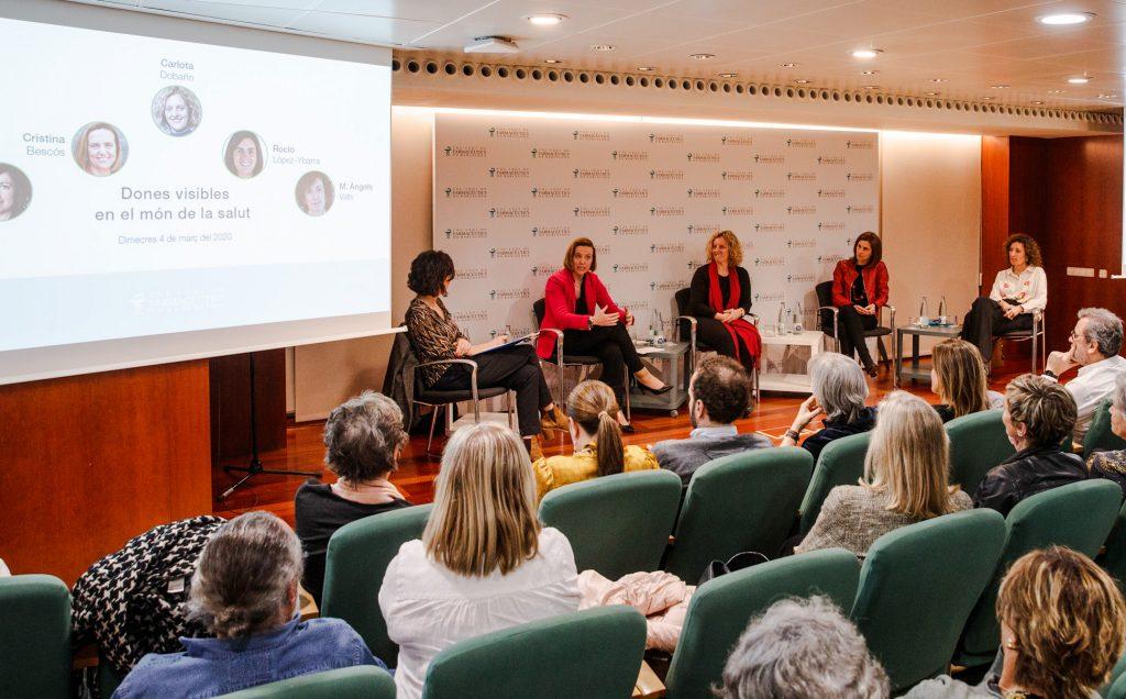 """Un moment del col·loqui """"Dones visibles en salut"""" que va tenir lloc el passat 4 de març al COFB."""