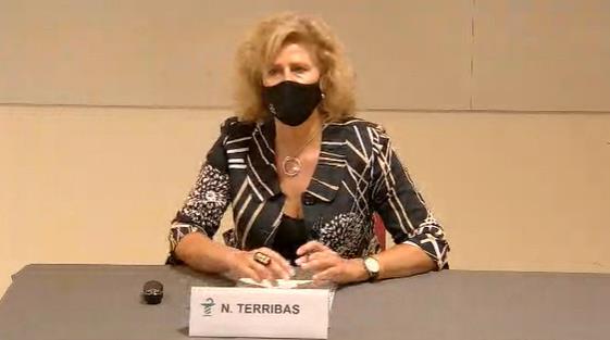 Nuria Terribas,jurista experta en bioètica i biodret, en un moment de la seva conferència inaugural del programa formatiu del COFB.