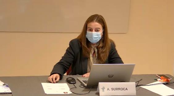 Un moment de la presentació del programa formatiu del COFB, a càrrec d'Aina Surroca, secretària del COFB i responsable de la Comissió de Formació Continuada.