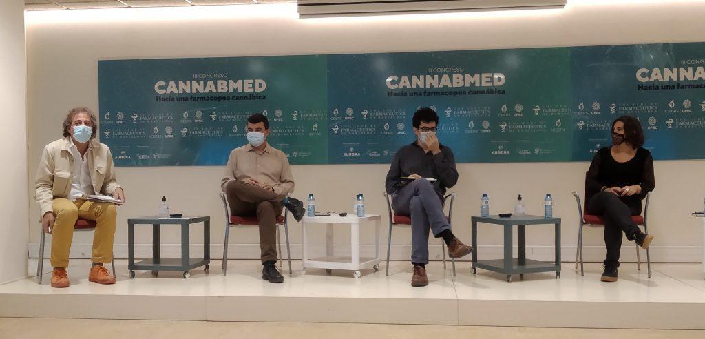 """Imatge de la primera taula del Congrés titulada """"Situació actual del cànnabis medicinal""""."""