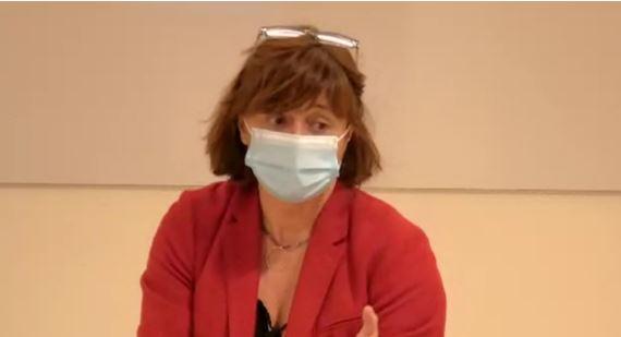La farmacèutica Cristina Lobato, participant en la tertúlia d'actualitat.